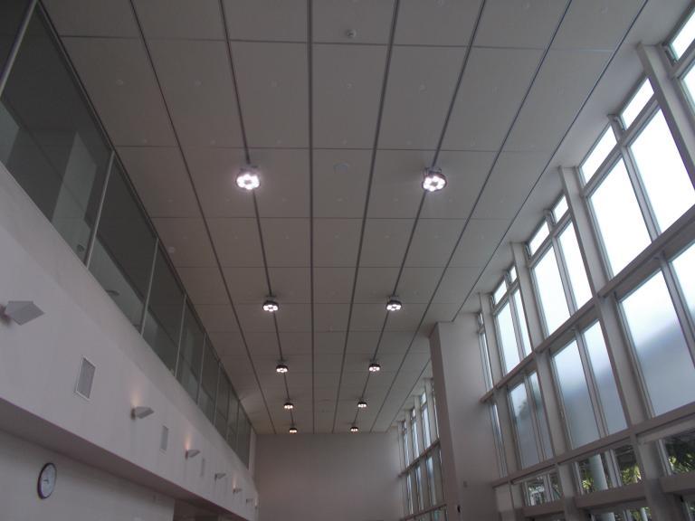 静岡県立大学小鹿キャンパス特定天井改修工事.JPG